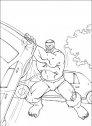 immagine di hulk che solleva un'automobile