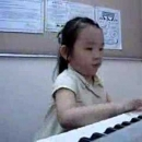 Bambina al pianoforte video